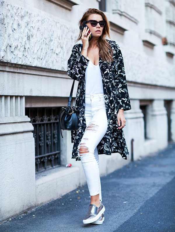 Белые джинсы + белый топ + серебристые слипоны