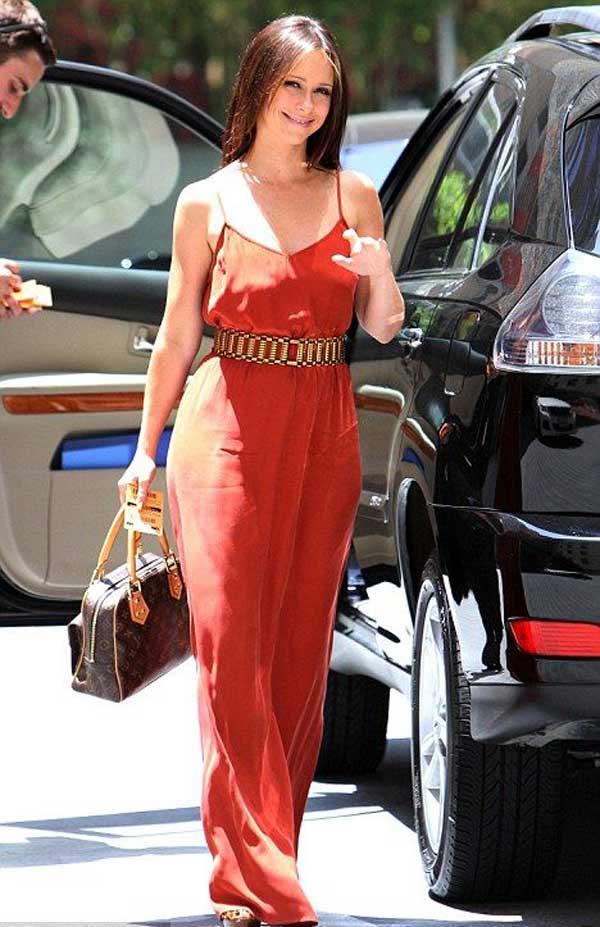 Милое платье Jennifer Love Hewitt