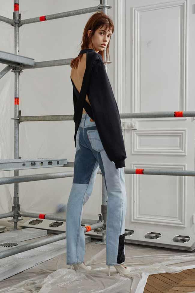 Расклешенные двухцветные джинсы
