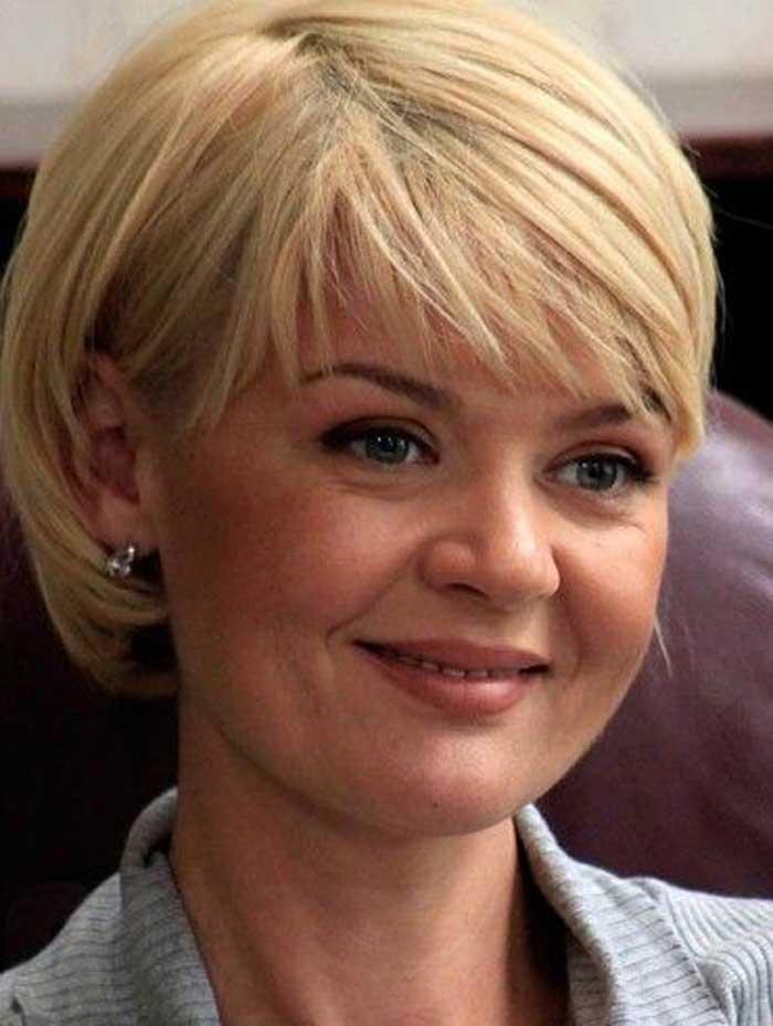 Юлия Меньшова стрижка, блондинка