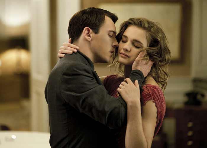 Ученые доказали что влюбленность возникает после 4 свидания
