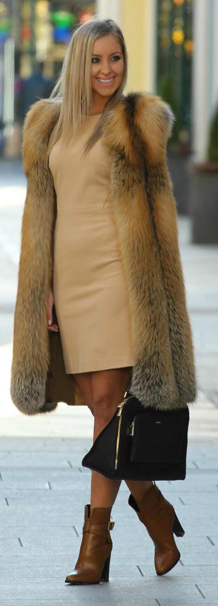 Меховой жилет + платье