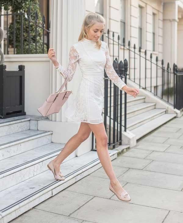 Белое платье из нежного кружева