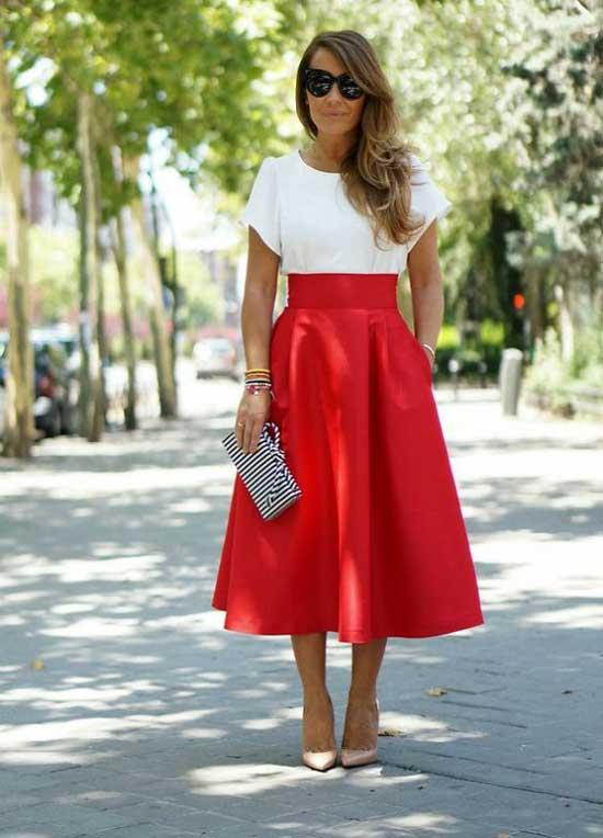 Белая блуза и красная юбка классика