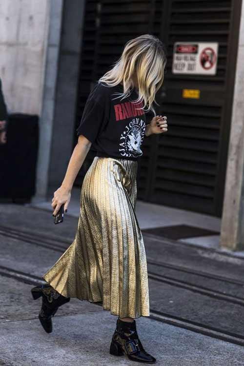 Золотая юбка на блондинке