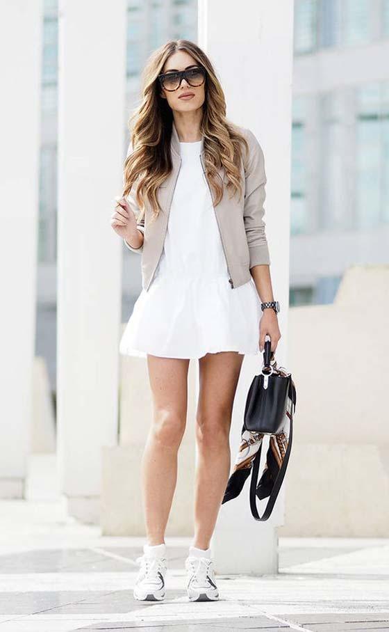Мини платье с кроссовками