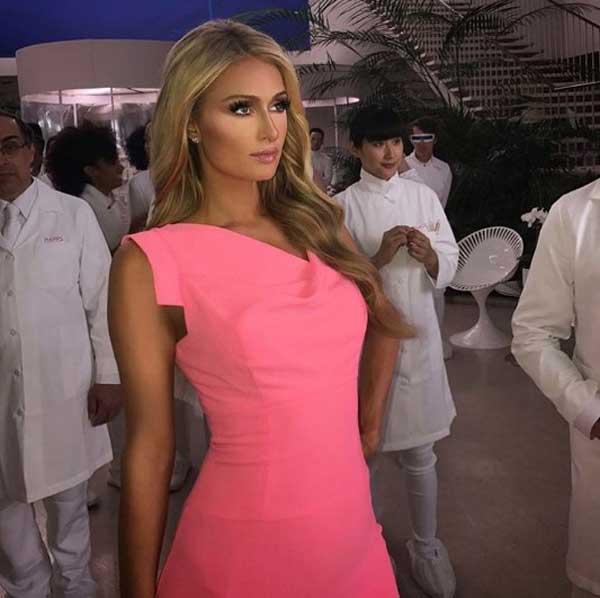 Paris-Hilton розовое платье