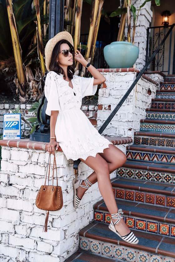 Кружевное белое платье и espadrilles