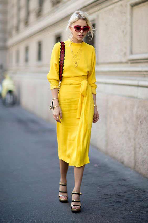 Уличная мода - желтый цвет