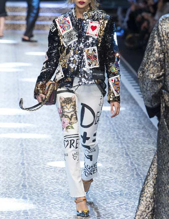 Джинсы с вышивкой, прорезями, Dolce & Gabbana Fall 2017