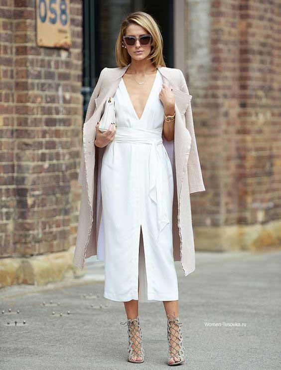 Для работы с белое платье + жакет пастельного цвета