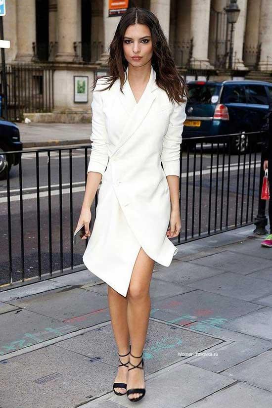 Белое платье с запахом