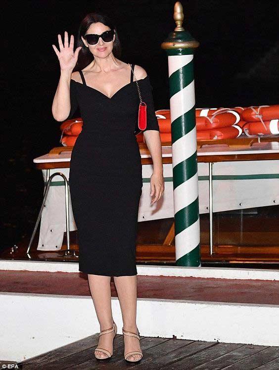 Платье футляр Моника Белуччи