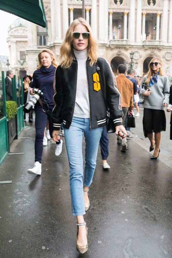 Уличный стиль джинсы, футболка и бомпер