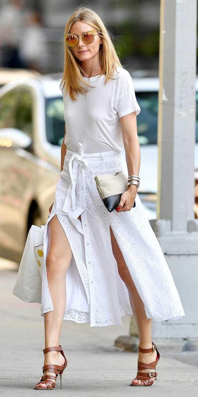 Оливия Палермо белая футболка с белой юбкой