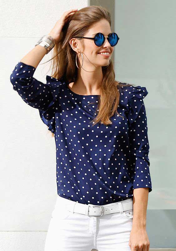 Синяя блуза в белый горошек