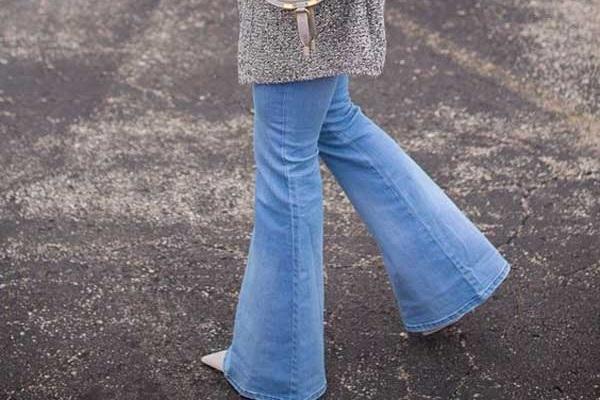 Расклешенные джинсы с чем носить