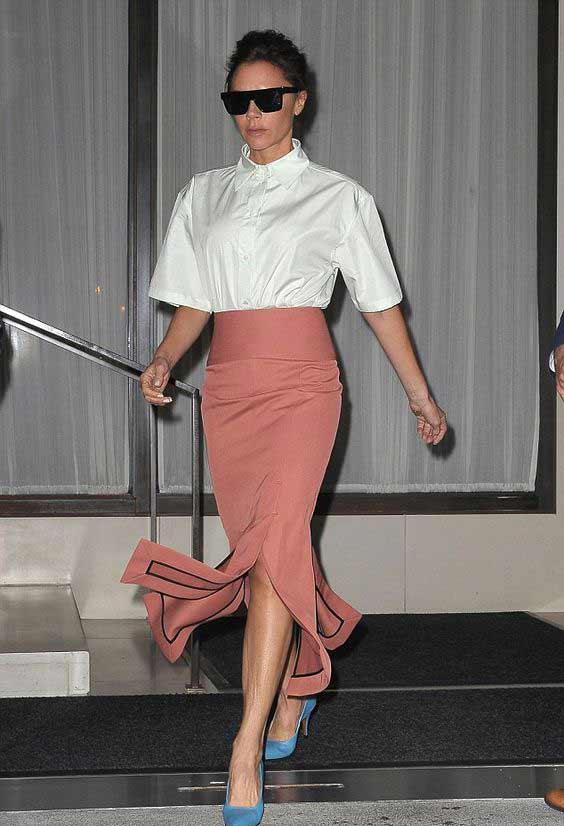 Виктория Бекхэм белая блуза + юбка карандаш