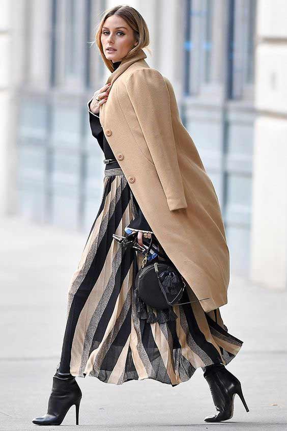 Оливия Палермо в бежевом пальто