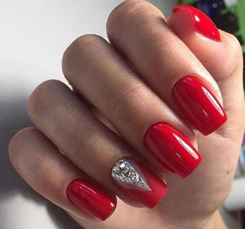 Красный с акцентом на безымянный палец