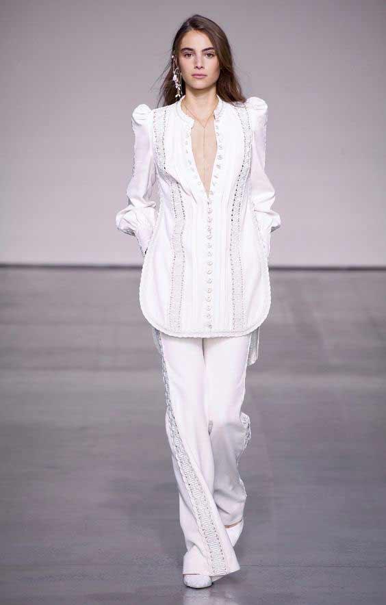 Образ с белой блузкой