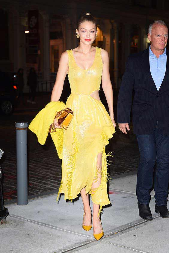 Платье в светло-желтом цвете