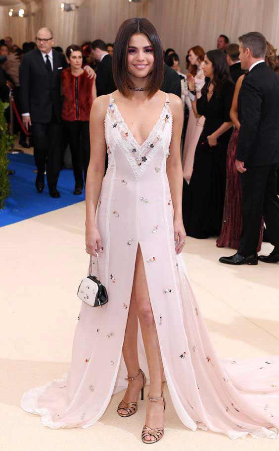 Нюдовое нарядное платье 2018
