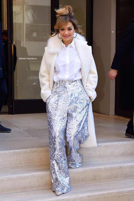 Рита Ора - серебристые брюки