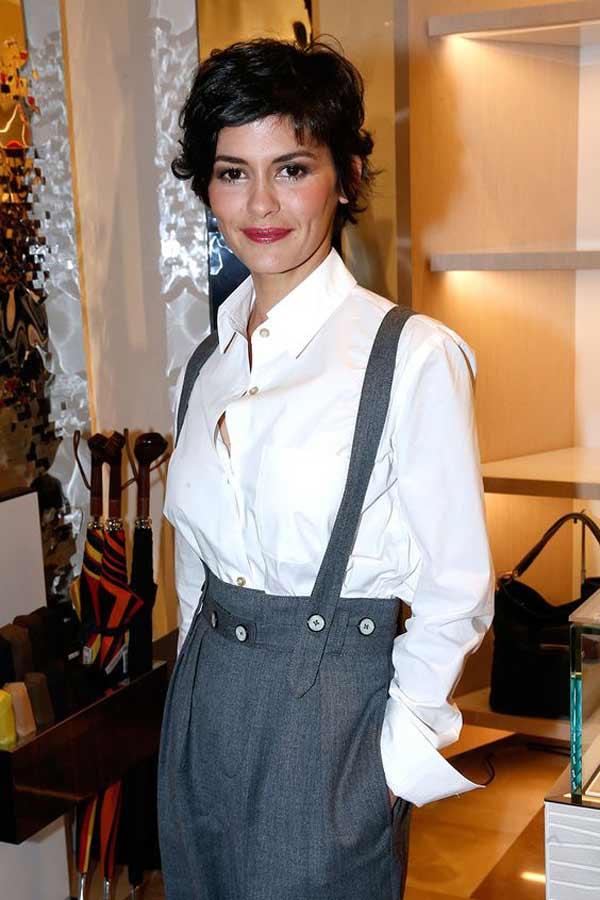 Жульет Бинош - француженка с короткой стрижкой