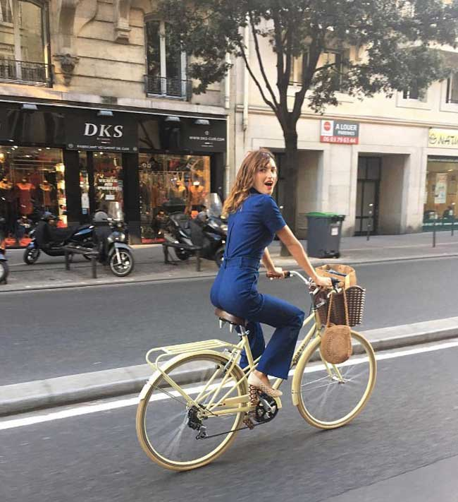 Жанна Дамас образ с корзинкой