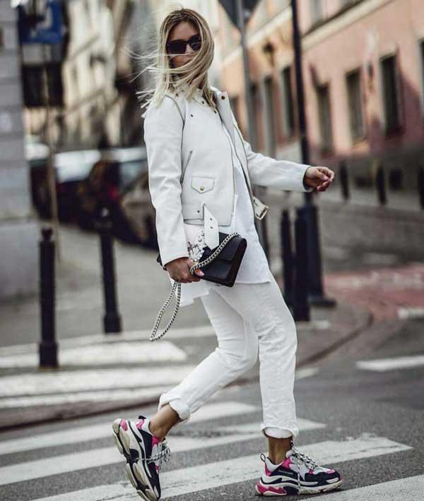 7 белых вещей, которые вам стоит иметь в гардеробе - джинсы