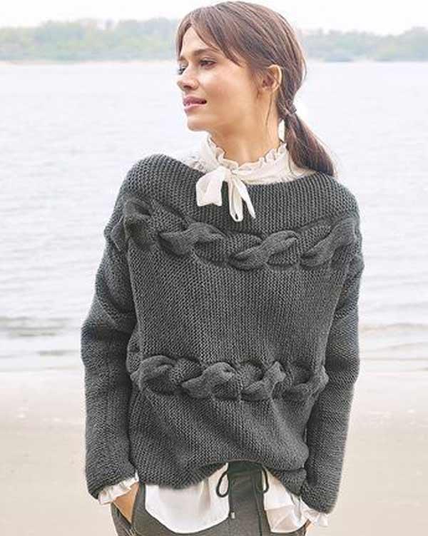 Модный серый свитер
