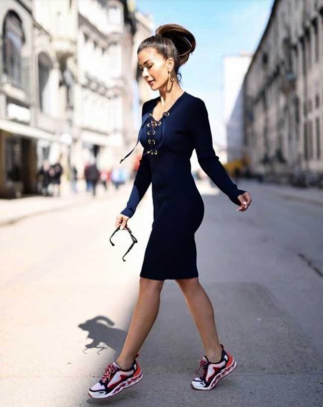 Платья, которые лучше носить со спортивной обувью