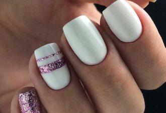 Белый и фиолетовые блестки