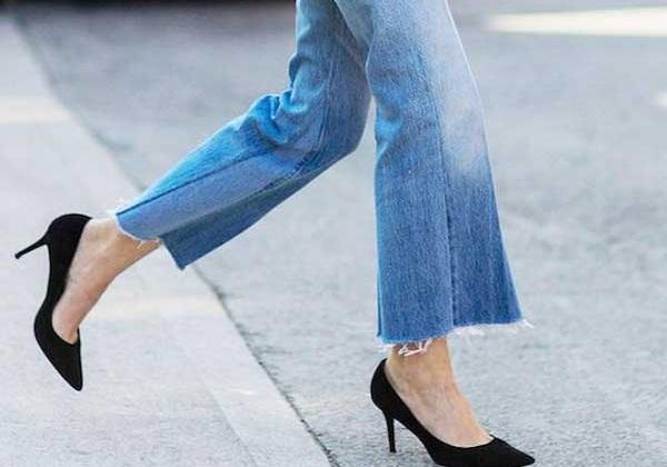 Кому подходят и с чем носить в этом сезоне джинсы клеш?