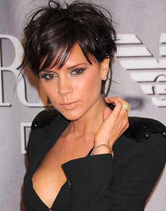 Victoria Beckham стрижка пикси