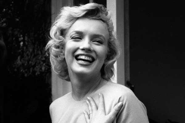 Почему блондинки больше привлекают мужчин?