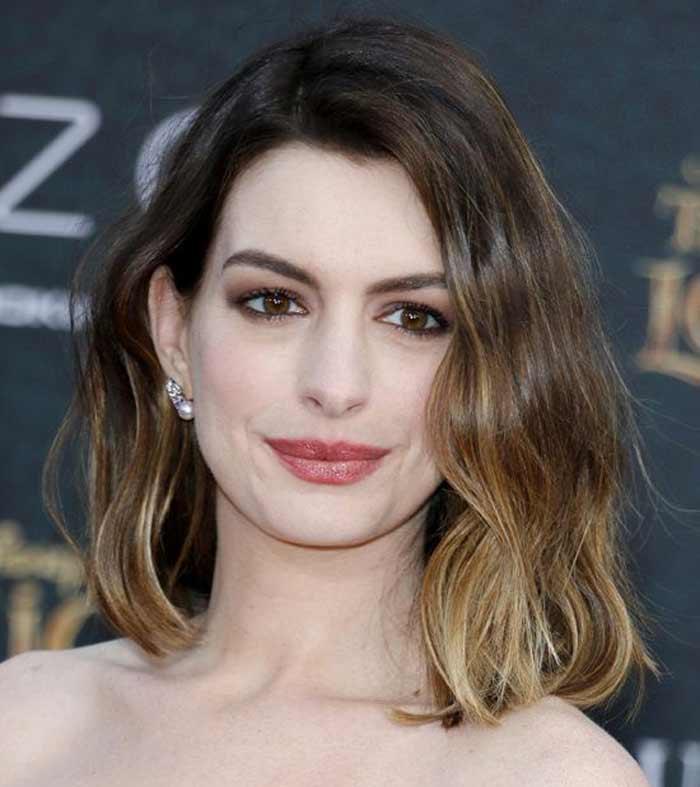 Anne Hathaway Long Bob: Густые, но при этом ухоженные брови: звездные брови. Примеры