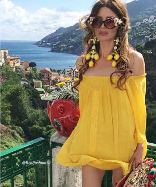 Жаклин ярко-желтый наряд