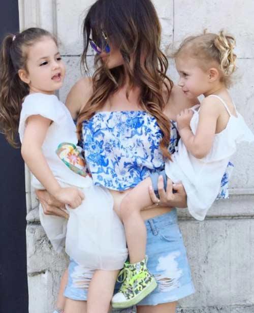 Жаклин с внучками