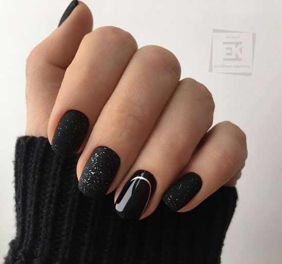 Черный однотонный маникюр на короткие ногти