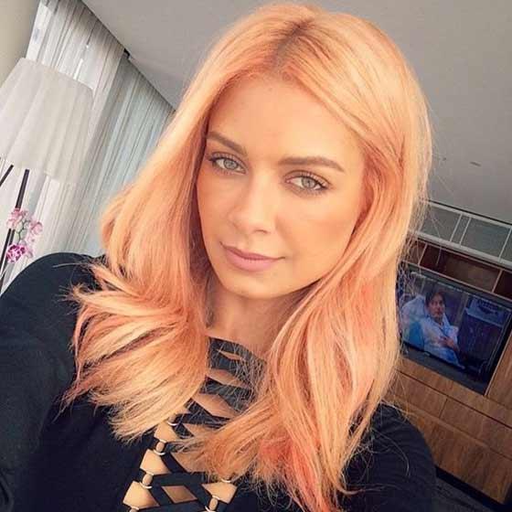 Персиковый оттенок для волос