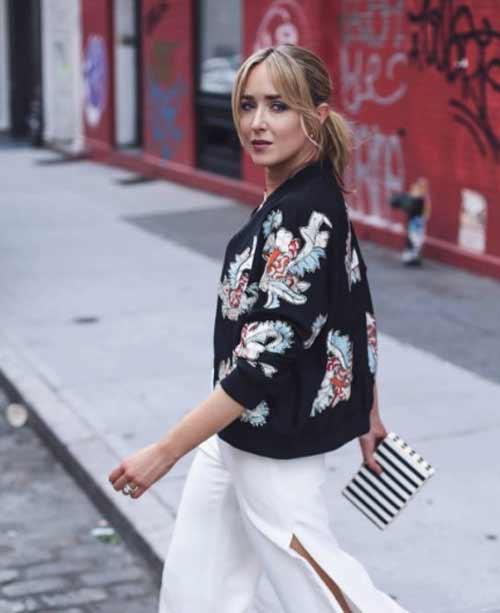 Тонкий свитер с цветами