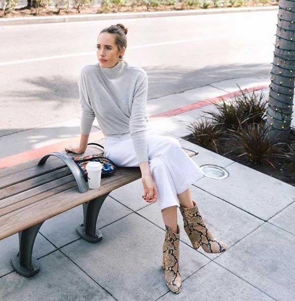 Белые джинсы и обувь с леопардовым принтом