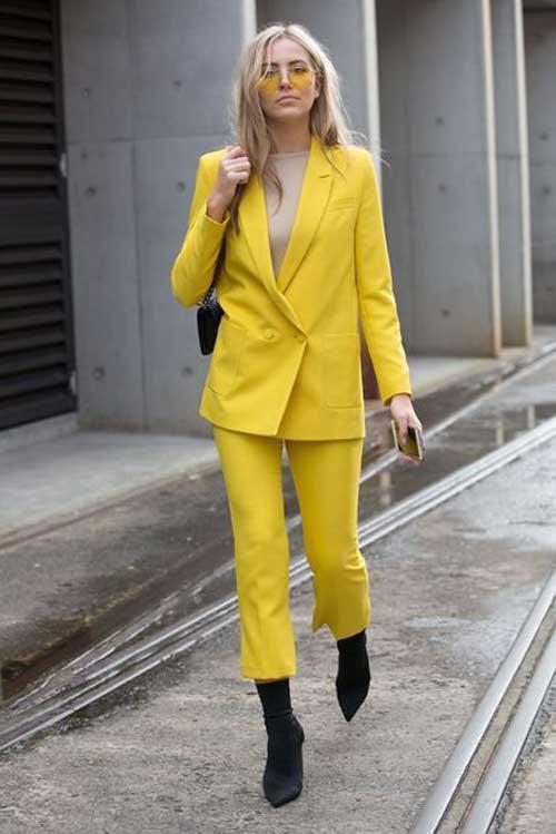 Желтый цвет для блондинок