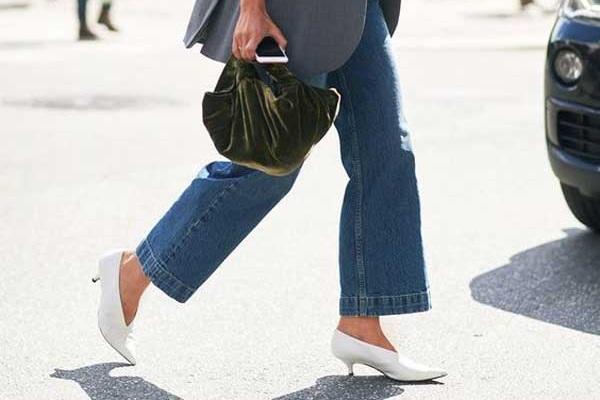 Самые модные джинсы 2017 года: 5 актуальных моделей. Стильные образы
