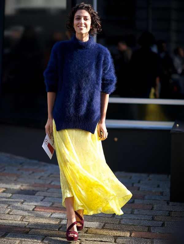 Желтая юбка+синий свитер