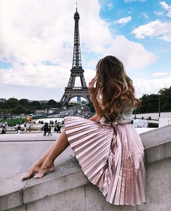 Вечерний образ парижанки