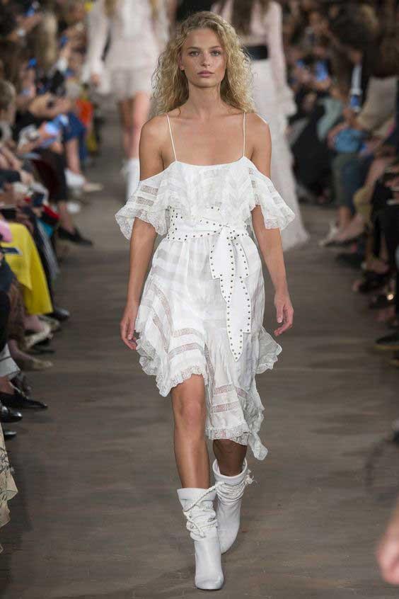 Модное белое платье для лета