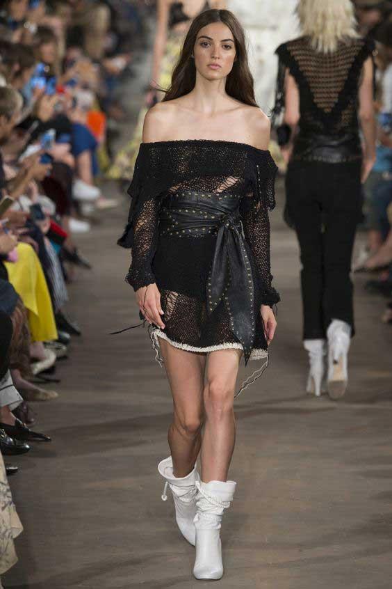 Черное маленькое платье для лета